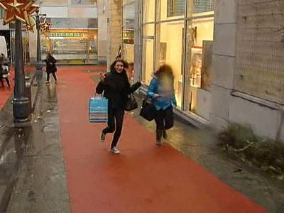 Бельгия: Гранатами и автоматом по прохожии