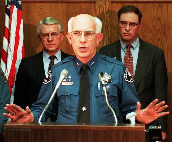 Лучший шериф США оказался гомосексуалистом и наркодилером