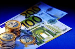 На мировом финансовом рынке произошел обвал евро