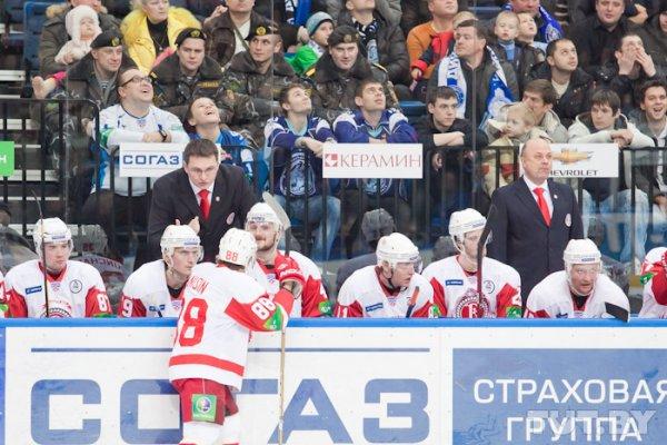 """""""Динамо"""" - """"Витязь"""": минчане оказались слабее и в хоккее, и в боксе"""