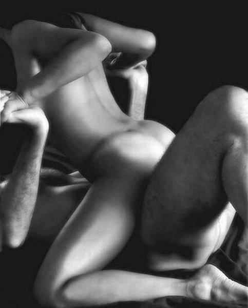 Восемь причин для регулярных занятий сексом.