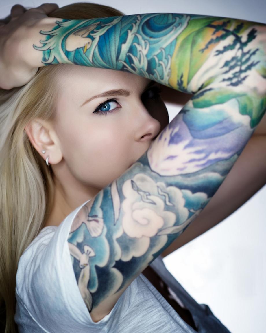 Черно белое тату: 100 модных идей и вариантов для девушек с 20