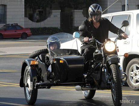 Брэд Питт купил мотоцикл «Урал»