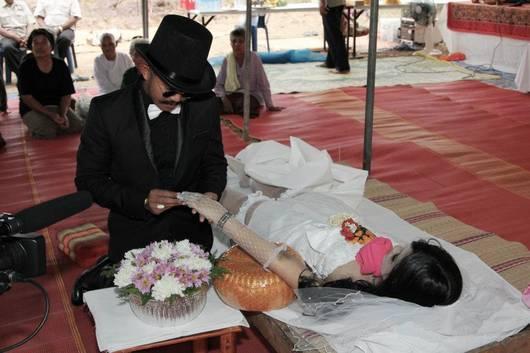 Свадьба на похоронах