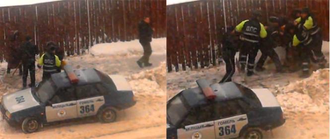 Гомельская ГАИ о скандальном видео: мужчина убирал снег с тротуара и выбрасывал его на дорогу