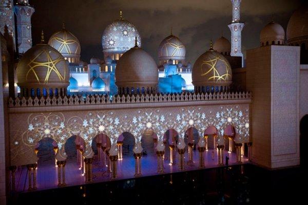 Светящаяся мечеть – новое чудо ОАЭ
