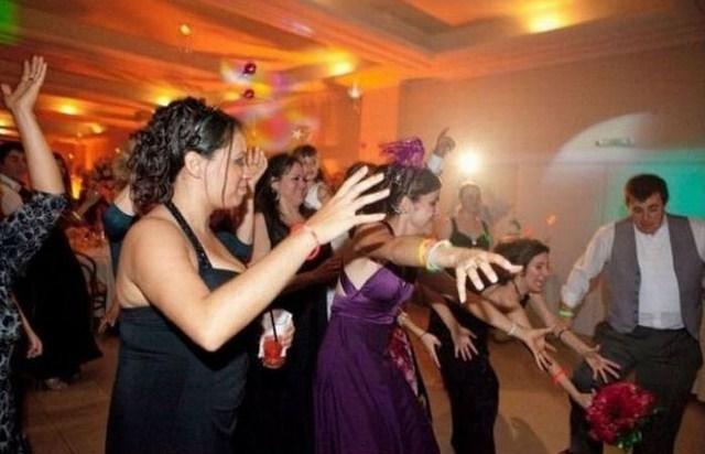 Поймать букет невесты