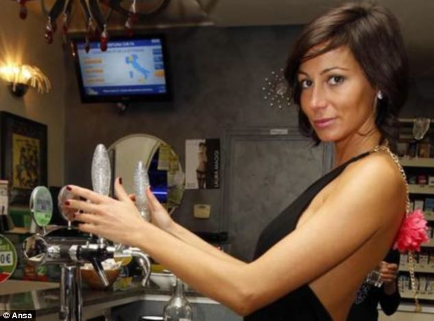 Сексуальный бар Le Cafe