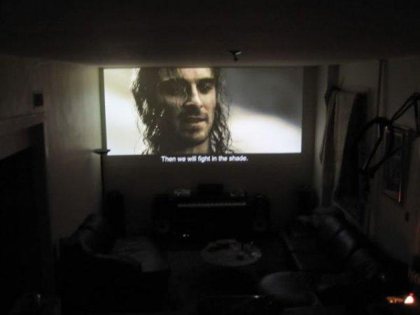 Как пацаны домашний кинотеатр построили