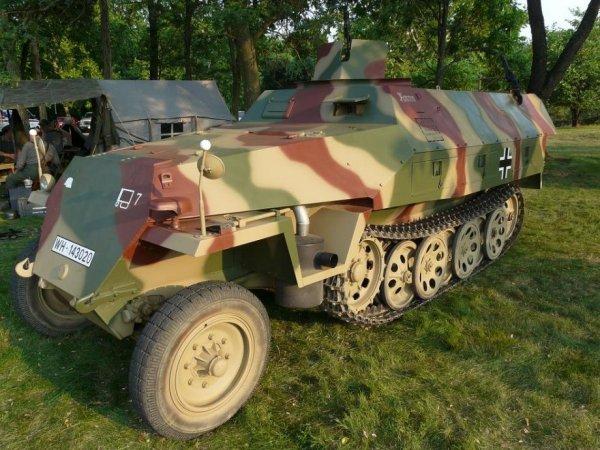 Красавец Sonderfraftfahrzeug 251