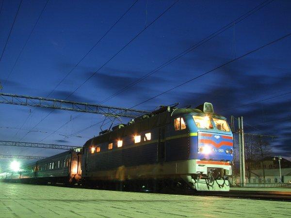 Почему поезд до Москвы дороже, чем на самолет?
