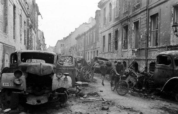 Бункер Гитлера в апреле 1945-го