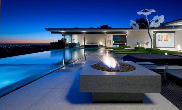 Скромный домик на Голливудских холмах
