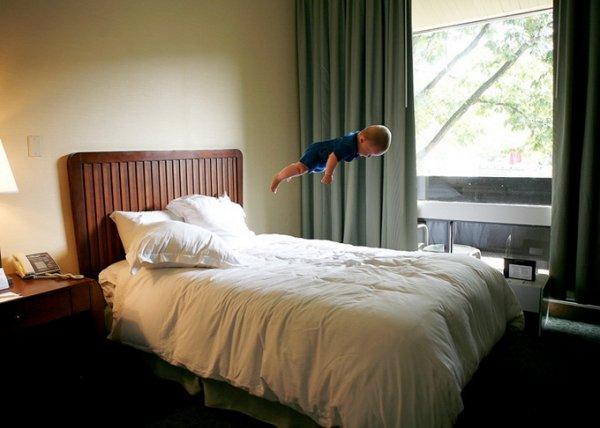 Летающий ребенок Rachel Hulin