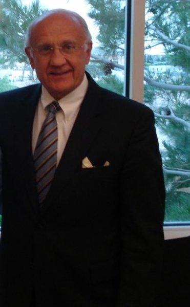 72-летний врач Джеффри Лайф