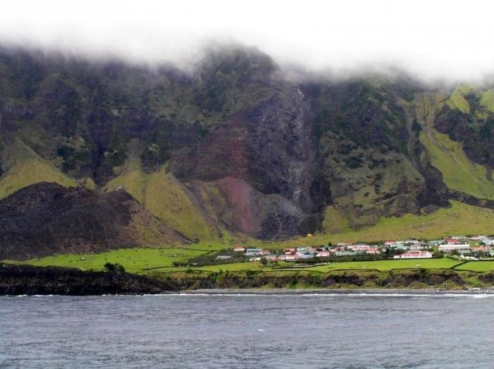 Тристан-да-Кунья - жизнь в центре океана