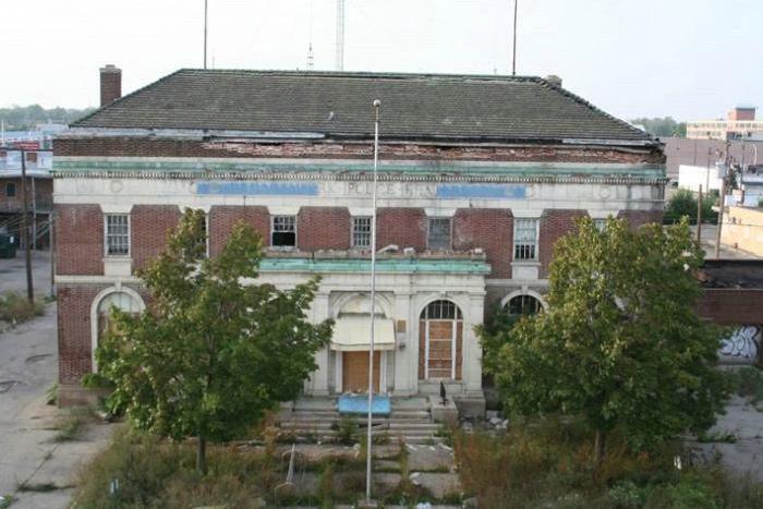 Заброшенный полицейский участок