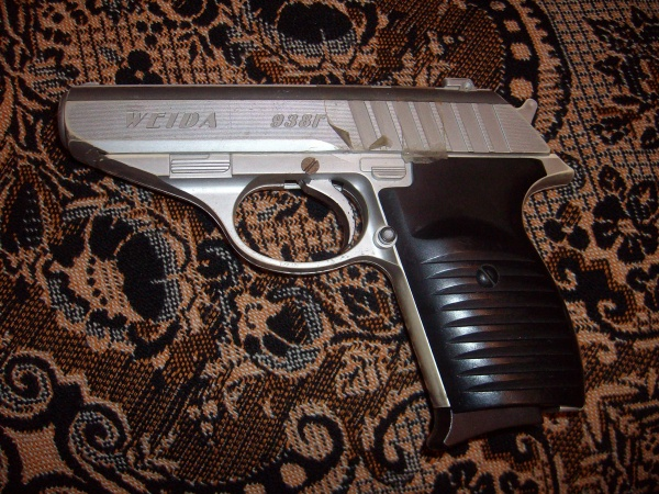 В Бресте девушка обокрала ломбард, угрожая игрушечным пистолетом