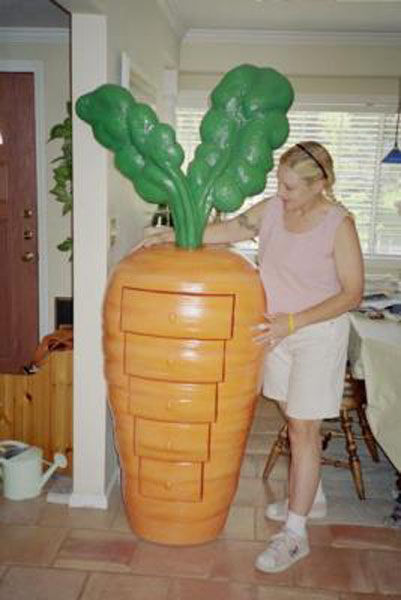 Мадам с морковками