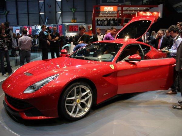 Самую мощную Ferrari F12 уже приобрели 360 человек