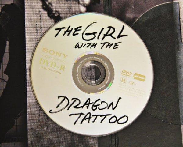 Странный диск