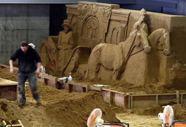 Выставка песочных скульптур на дюне Тоттори