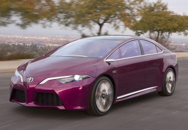 Автомобили Toyota подешевеют