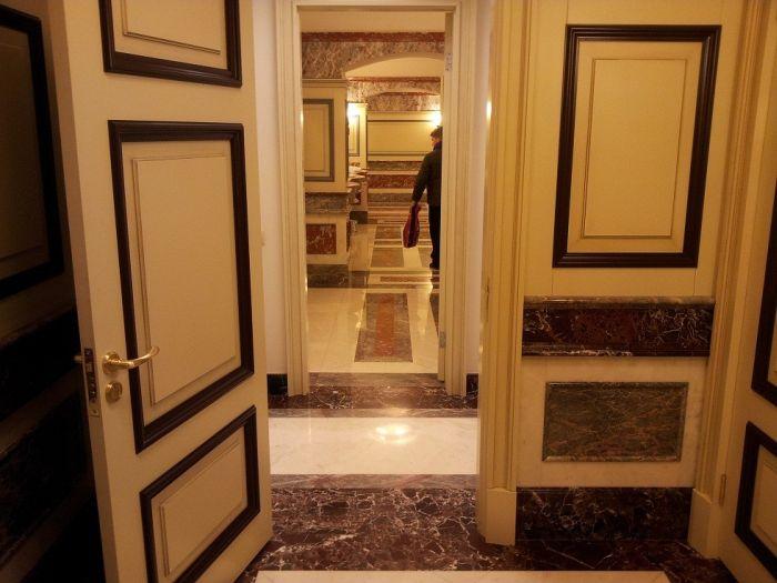 Царский туалет в московском ГУМе