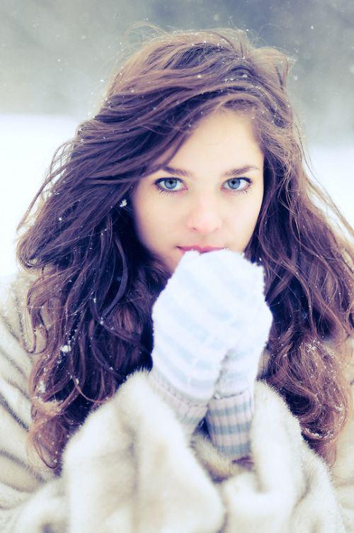 Голубоглазые красивые девушки