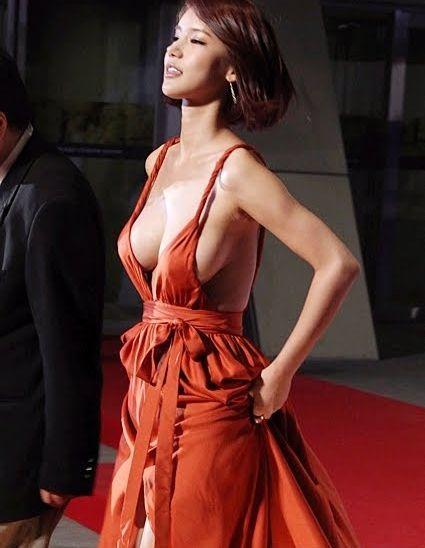 Корейская актриса поразила всех нарядом