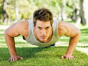 Как накачать грудные мышцы без походов в тренажерный зал?