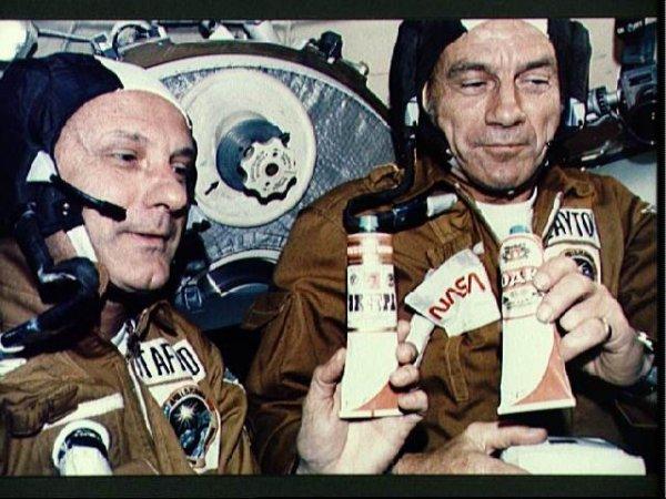 Еда в тюбиках для советских космонавтов