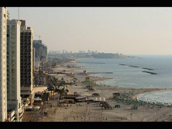 Групповой секс на пляже в Израиле