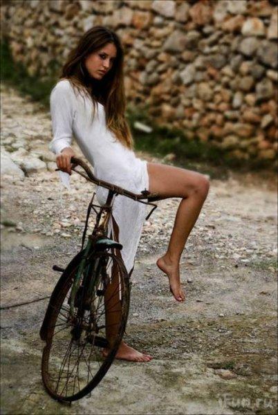 Красивые велосипедистки