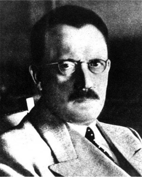 Искаженные Гитлеры