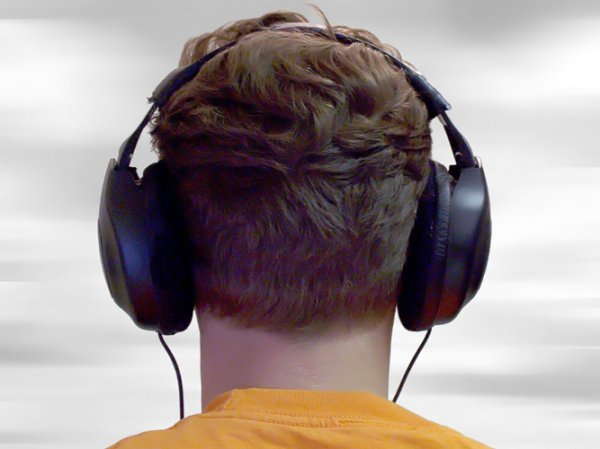 17-гадовы хлопец заслухаўся музыку і трапіў пад цягнік