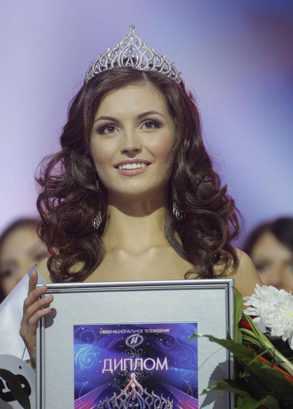 """Юлия Скалкович стала """"Мисс Беларусь — 2012"""" (видео)"""