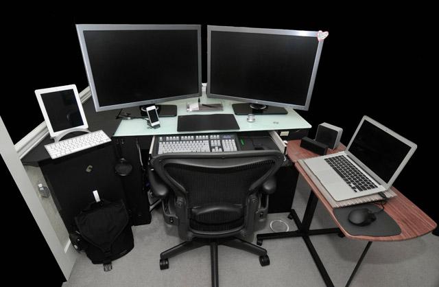Новые шикарные рабочие места с компьютерами