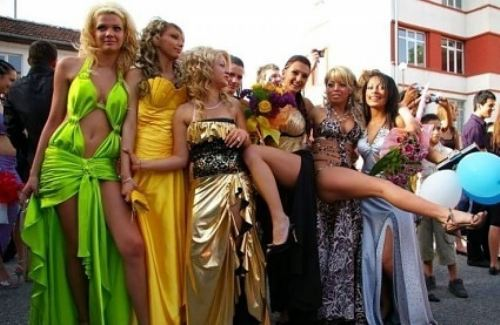 Выпускные 2012 в Болгарии - ЖЕСТЬ!