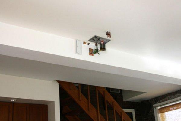 Карлики живут на потолке?