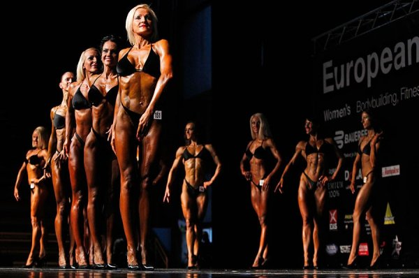 Конкурс бодибилдинга в Загребе