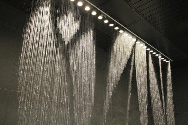 Существует принтер-фонтан, который печатает водой