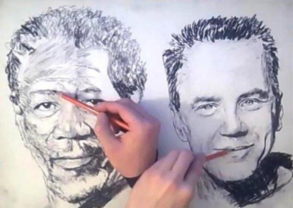 Художник-самоучка рисует портреты двумя руками одновременно