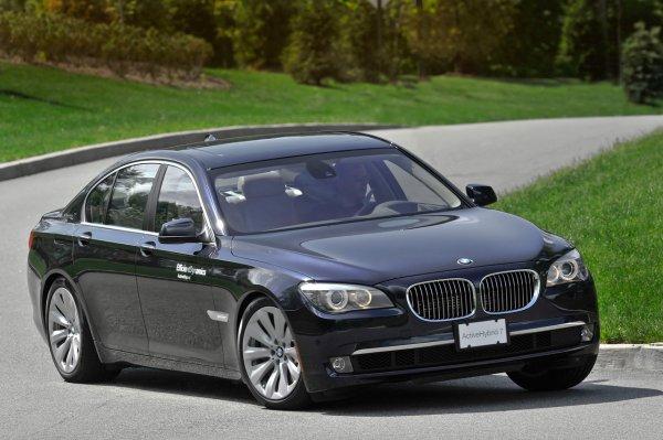 Топ-10 самых популярных из дорогих машин в США