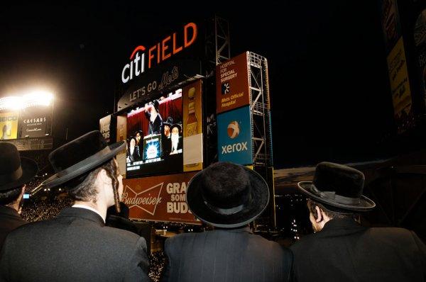 Евреи продали все билеты на митинг против интернета.