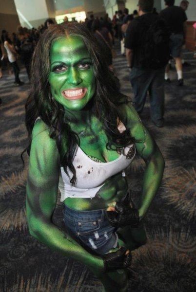 Дамочки с Comicon 2012