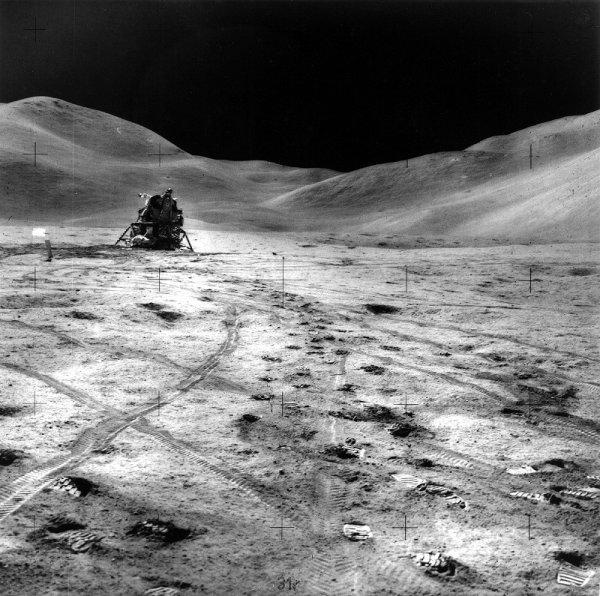 Фотографии с Луны: подделка?
