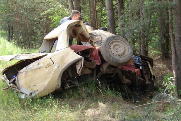 16-летний водитель бросил умирающих и ушел спать