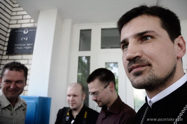 Отец Николай: Надеюсь на поддержку людей /Опрос/
