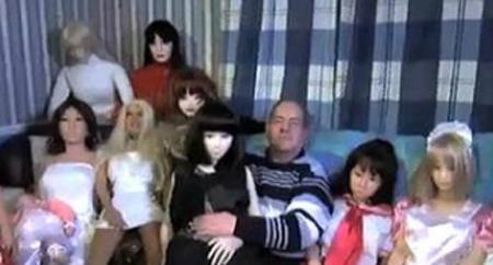 10 странных применений кукол для секса
